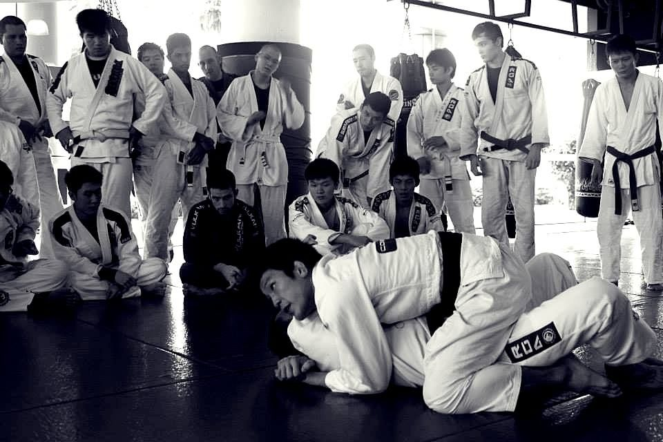 ONE FC World Champion and BJJ Black Belt Shinya Aoki teaches students how to maintain the mount position.