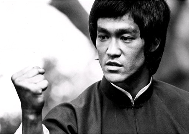 Top 5 Bruce Lee Fight Scenes (Videos)