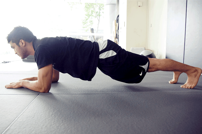 Irshaad shows us the plank position