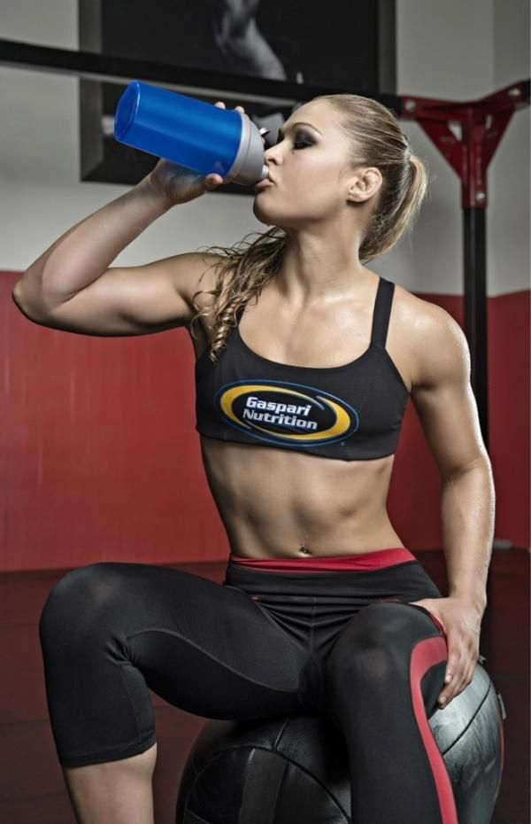 This UFC Fighter Doesn't Believe In Lifting Weights - Evolve Daily