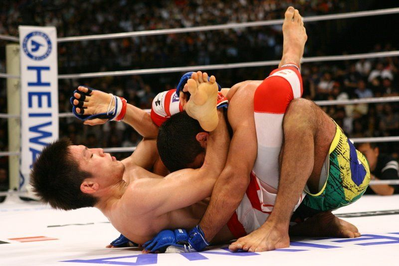 Watch: The Top 15 Slickest Submissions in MMA History (Videos)