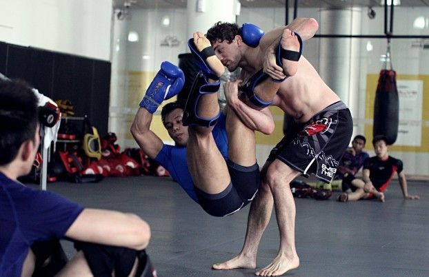 Ben Askren's 4 Most Effective Takedowns For MMA: Revealed! (Videos)