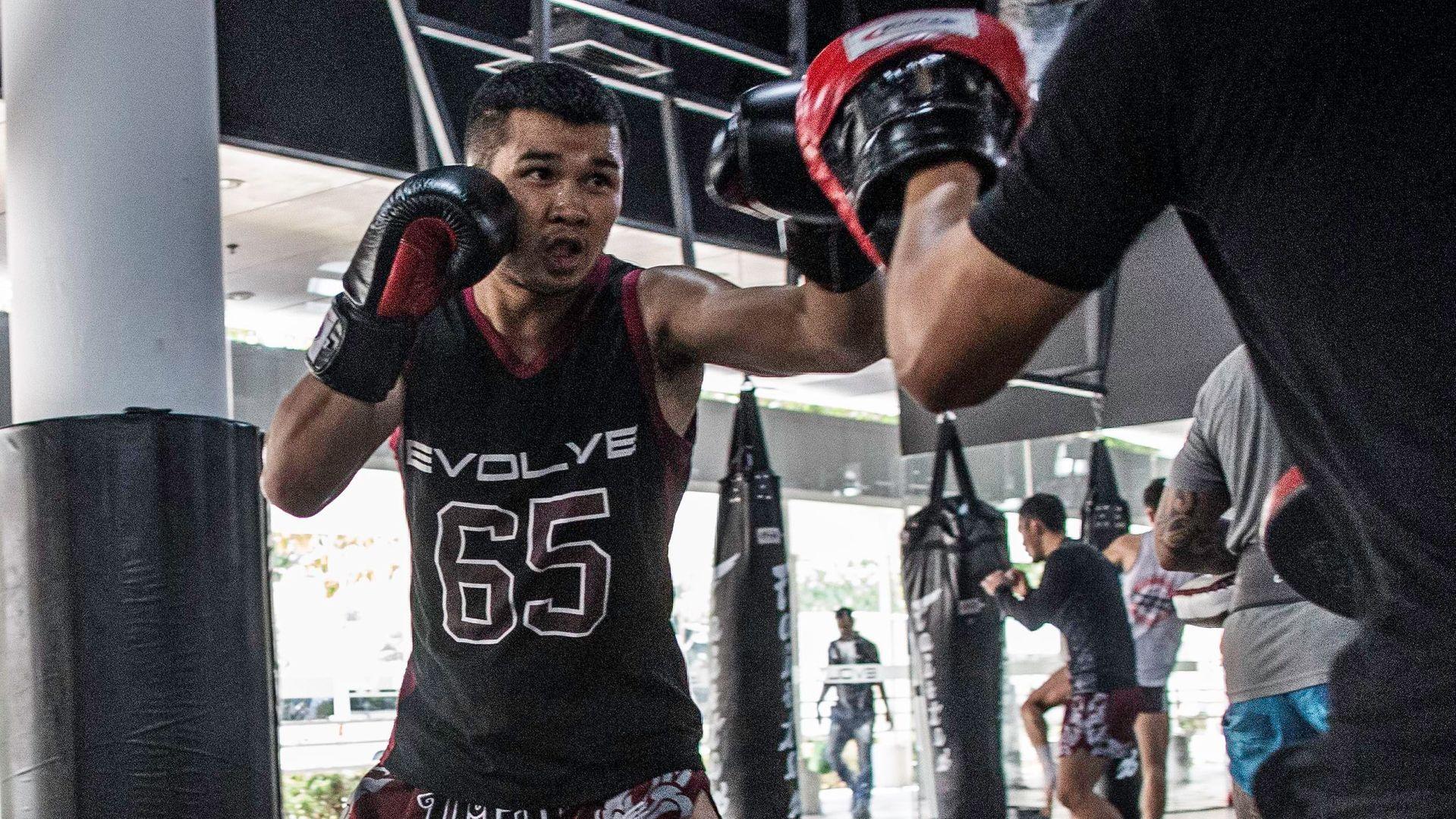 Nong-O Gaiyanghadao training Muay Thai at the Evolve MMA gym