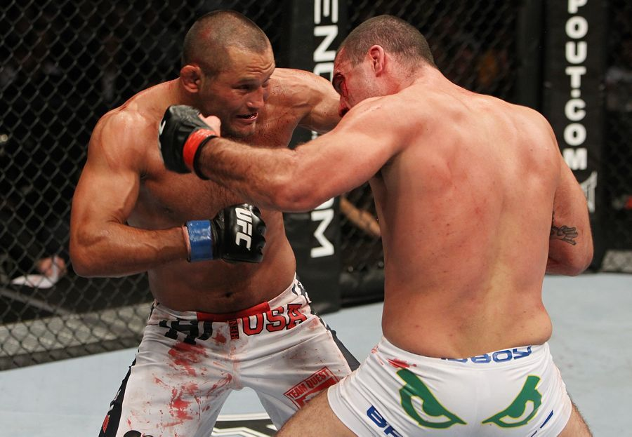 WATCH: Dan Henderson's 5 Most Memorable Fights (Videos)