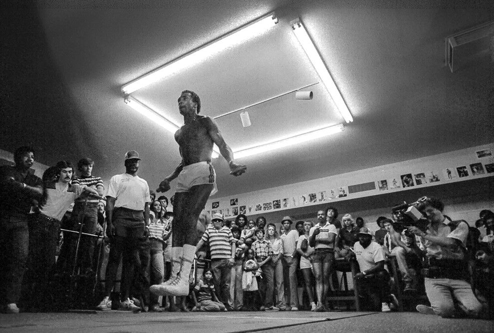 Legendary boxing world champion and Olympic gold medalist Sugar Ray Leonard jumping rope during his training camp in vegas in1981.