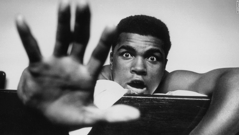 WATCH: 8 Of The Flashiest Boxers In History (Videos)