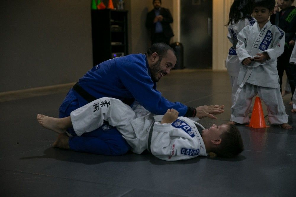 Mundials World Championship Silver Medalist Almiro Barros's favorite techniques are the armbar and the choke.