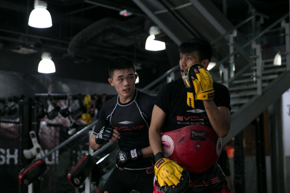 ONE Superstar Christian Lee works on his Muay Thai with 3x Lumpinee Muay Thai World Champion Namsaknoi Yudthagarngamtorn.
