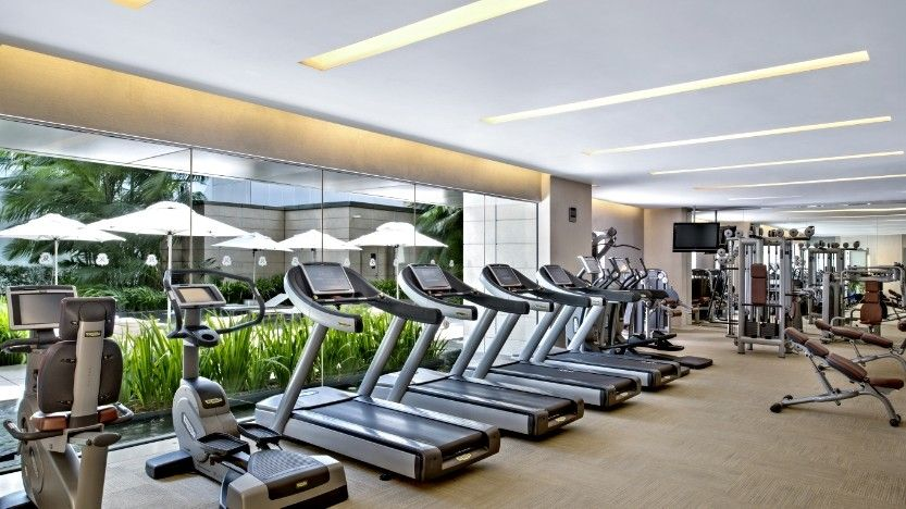 7 ways to stay in shape while on holiday evolve daily for Equipement hotel