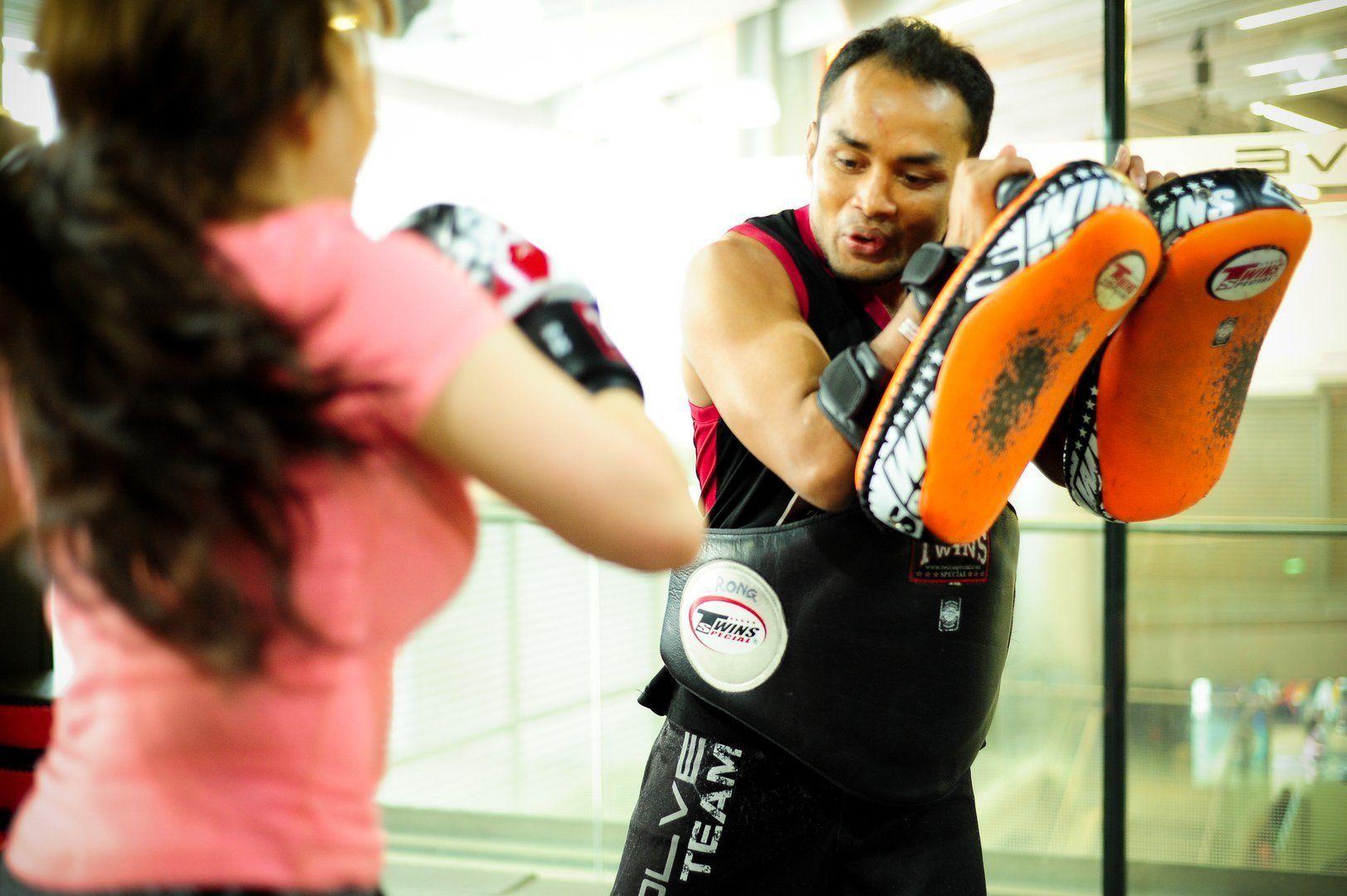 ONE Superstar Dejdamrong Sor Amnuaysirichoke teaches Muay Thai at Evolve MMA.