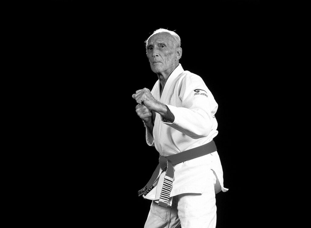 BJJ legend Helio Gracie and his brother Carlos Gracie founded the martial art of Gracie jiu-jitsu.