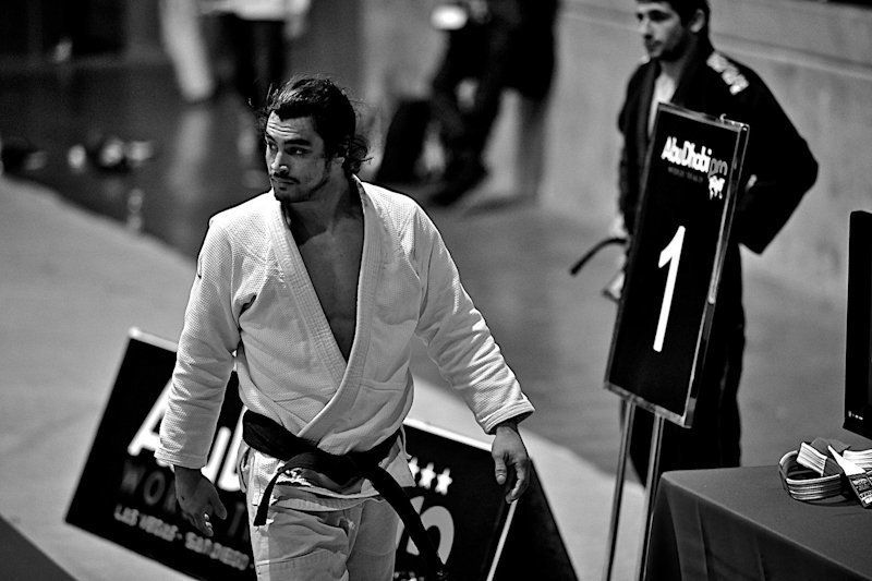5 Surprising Ways Brazilian Jiu-Jitsu Makes You A Better Boyfriend