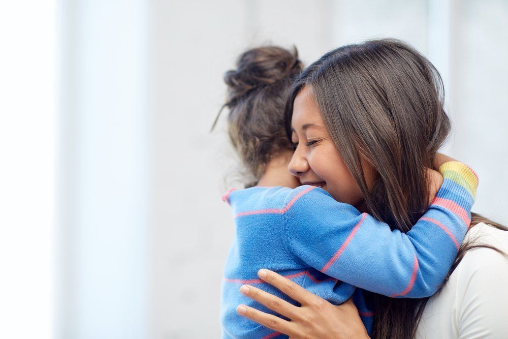 hug daughter