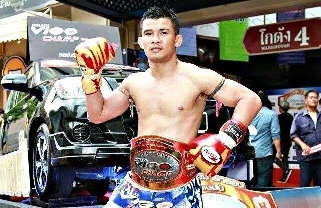 WATCH: 5 Of The Best Lead Leg Switch-Kickers In Muay Thai (Videos)