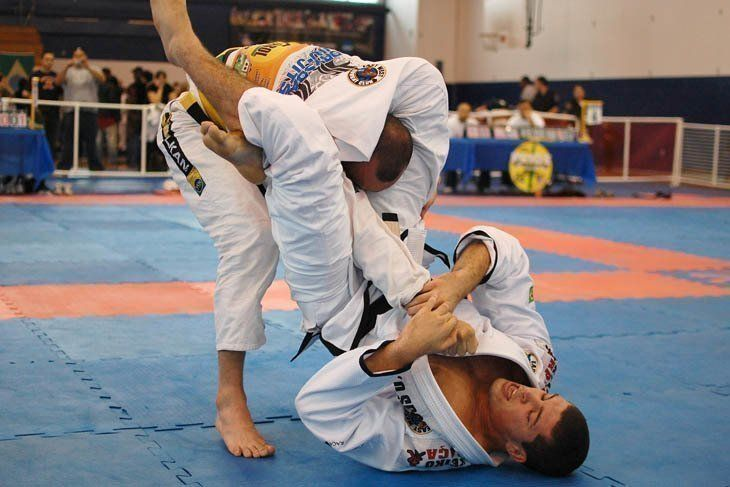triangle-choke