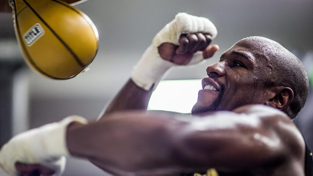 WATCH: An Inside Look At Undefeated Boxing World Champion Floyd Mayweather Jr.'s Training Routine (Videos)
