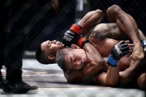 WATCH: The 5 Best Chokes For MMA (Videos)