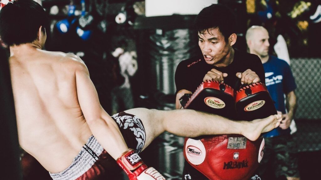 Here's What Trainer Of World Champions Yodkunsup Por Pongsawang Wants You To Know About Pad Holding