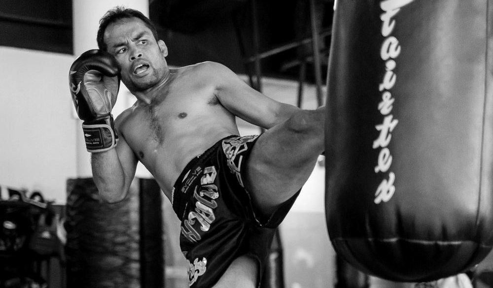 How To Use Feints And Setups in Muay Thai
