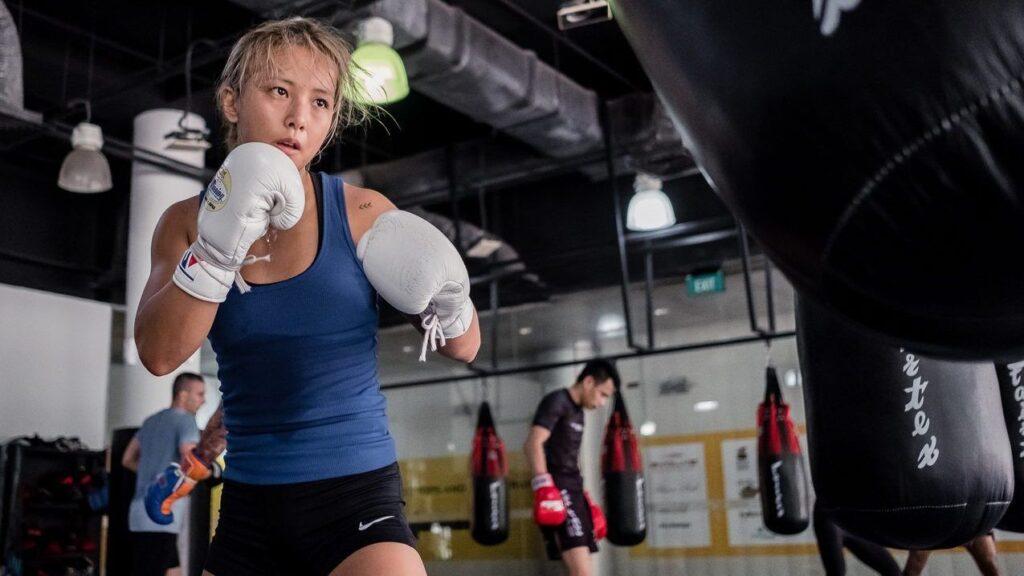 Song Ka Yeon Boxing Heavy Bag