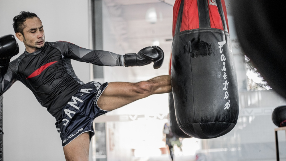 Muay Thai 101: The Roundhouse Kick