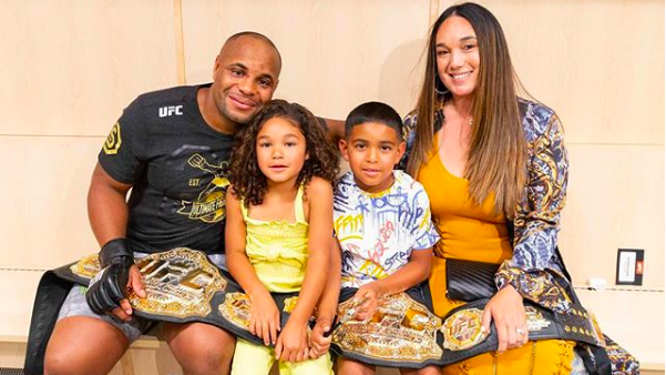 Here's Why Daniel Cormier Is The Greatest 2-Division Champion In UFC History (Videos)