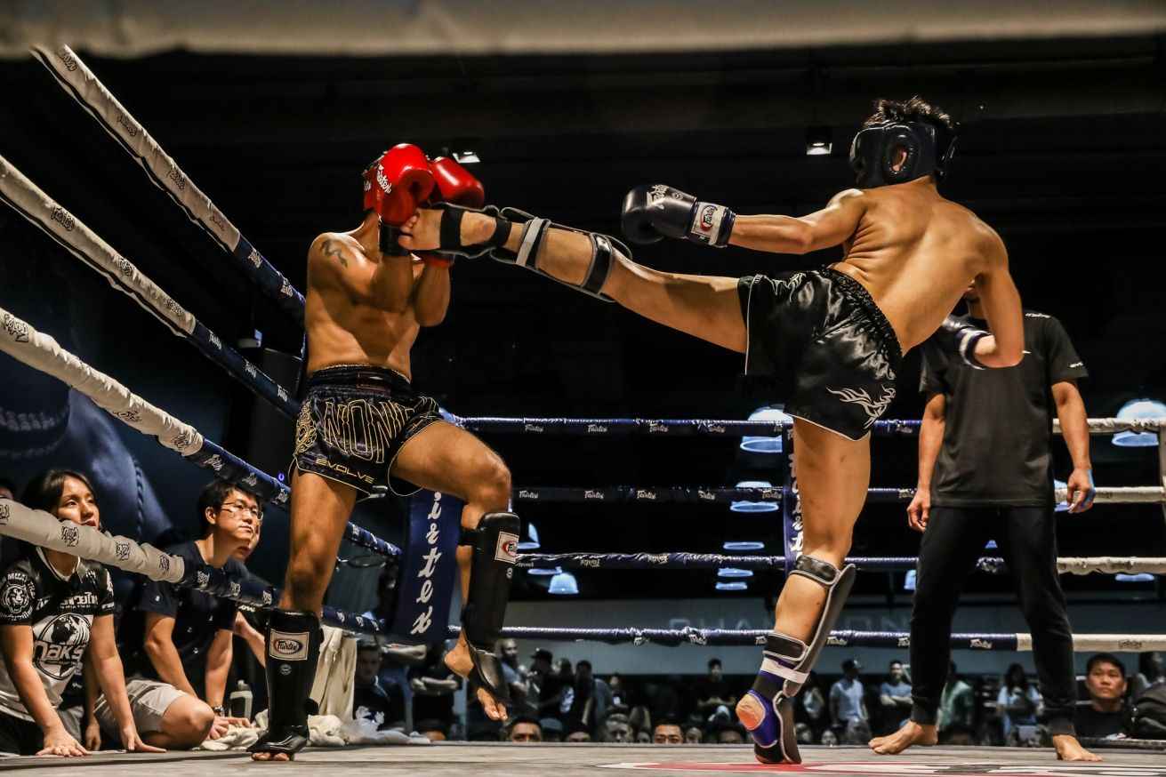 Muay-Thai-Kick-Fight-Night