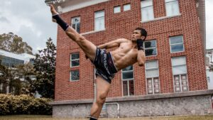 5 Bodyweight Workout Tips From A Muay Thai World Champion