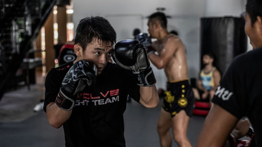 5 Tips To Keep Your Hands Up And Maintain Great Defense In Boxing