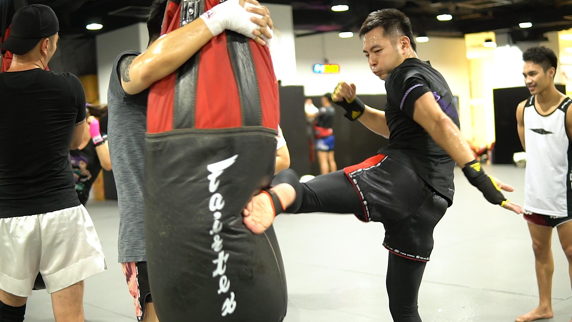 Muay Thai Kick KINEX