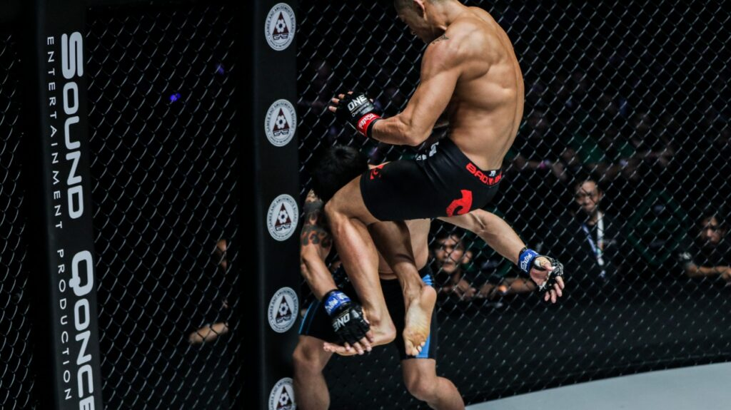 4 Of The Best Flying Knee Knockouts In MMA History