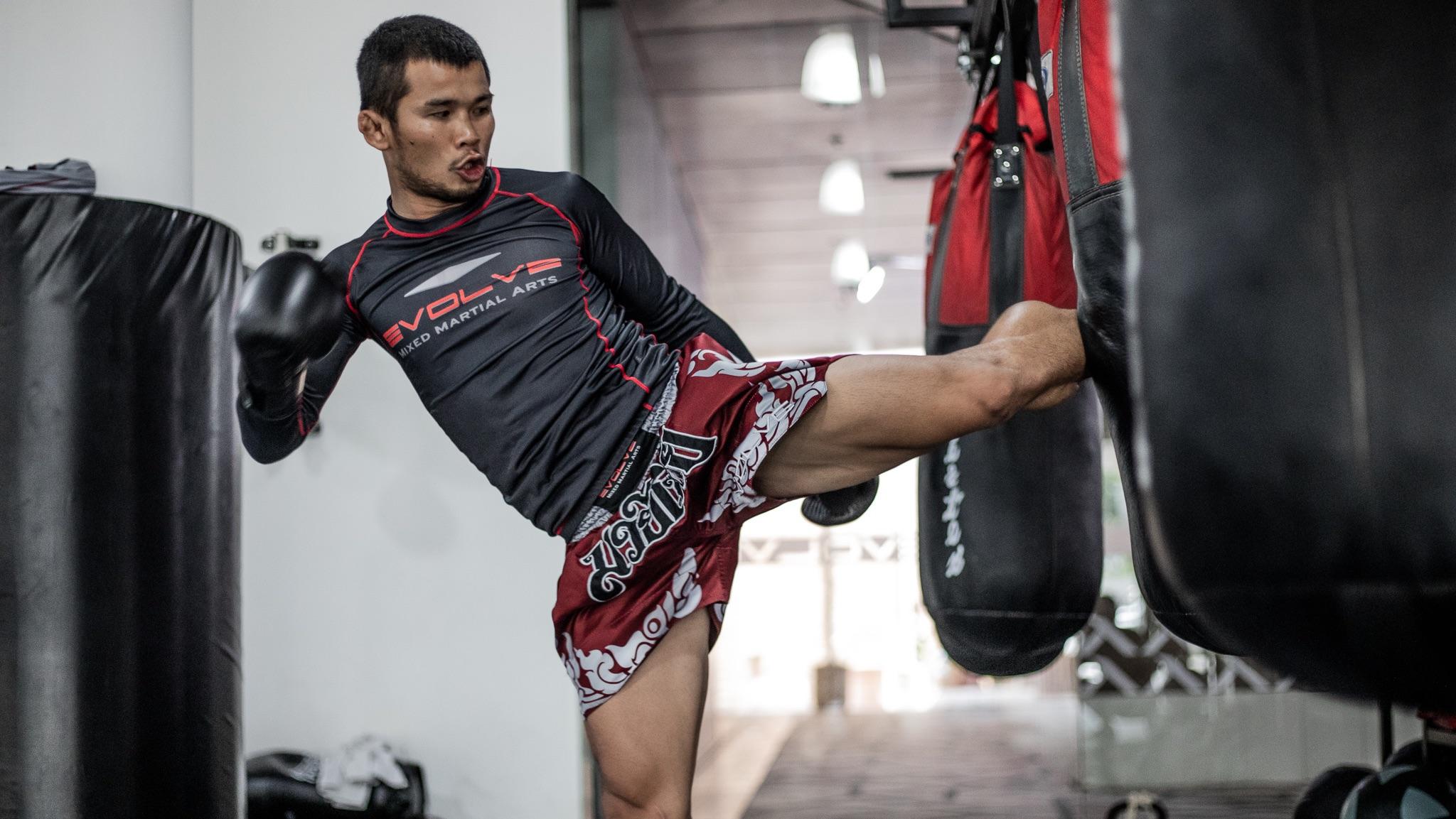 lunctime muay thai class