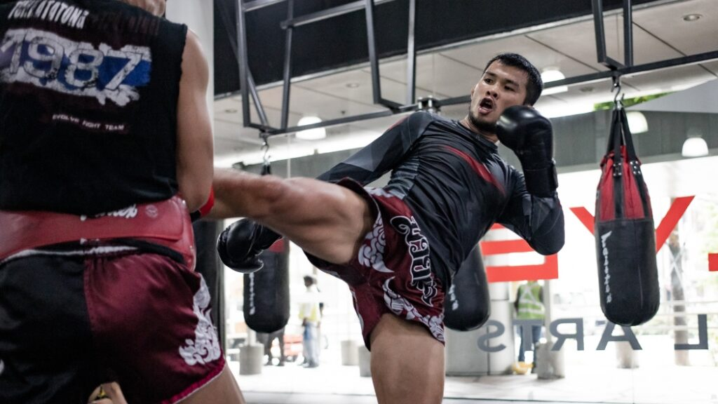 Here's Why Joining A Muay Thai Gym Should Be Your 2020 New Year's Resolution