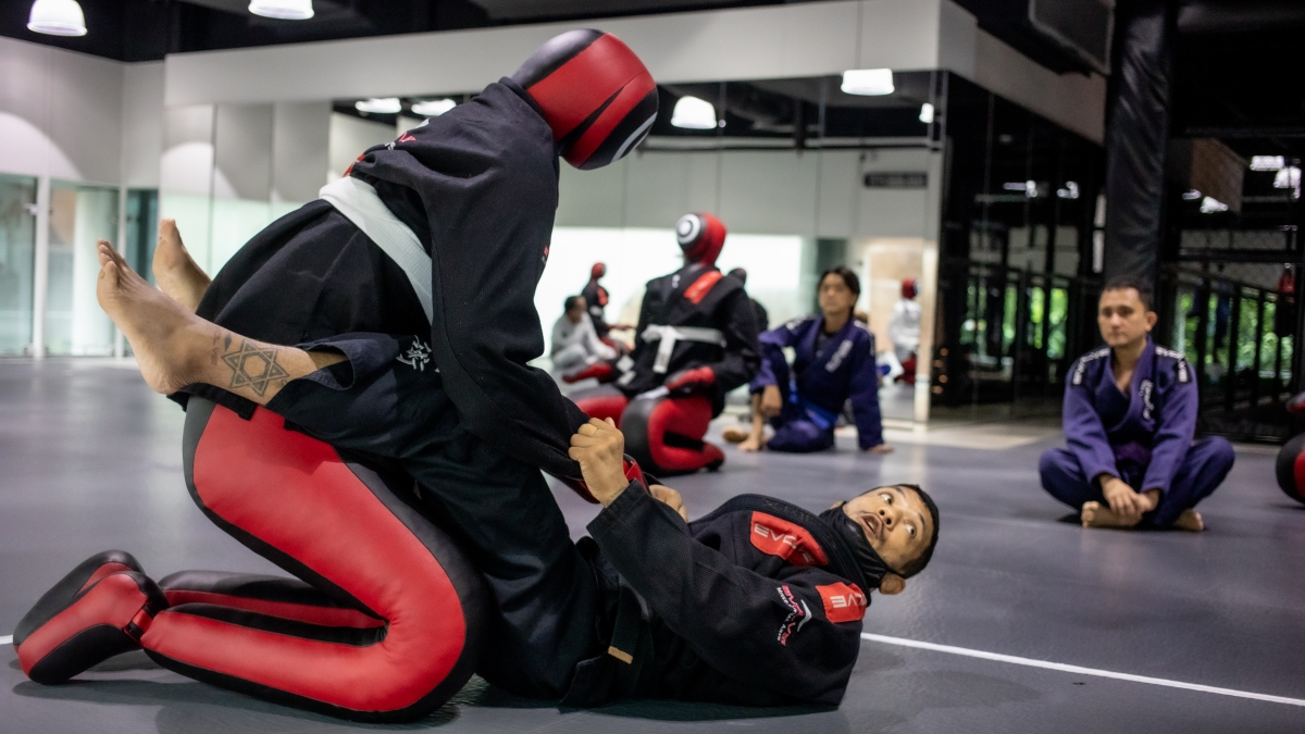alex silva grappling dummy