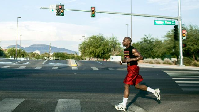 Here's How To Train Like Boxing Legend Floyd Mayweather