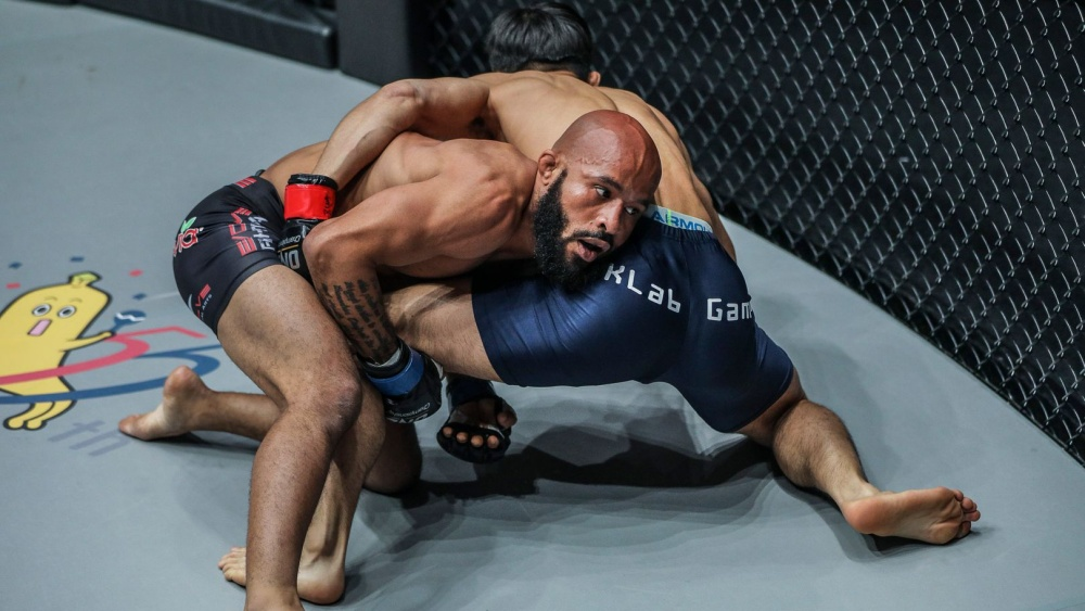 5 Of The Most Unforgettable Submissions In MMA History