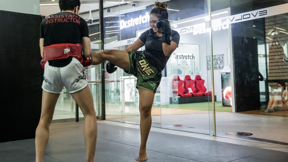 exercise ramadan muay thai kick
