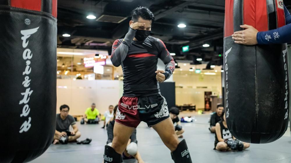 kaoklai teach muay thai catch technique