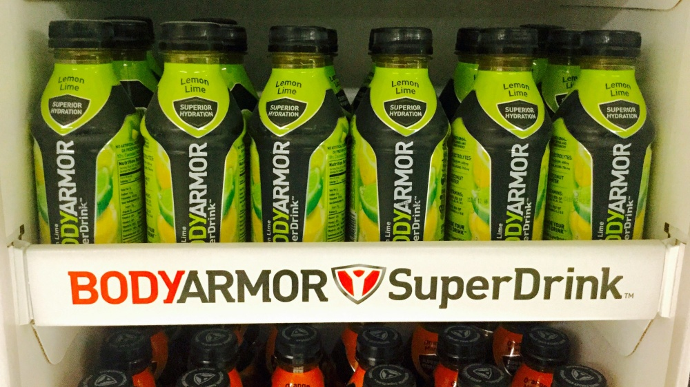 Plain Water vs Sports Drinks: Which Is Best?