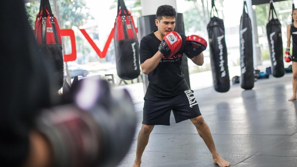 teaching boxing class drian