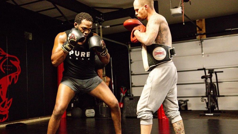 Breaking Down Jon Jones's Style Of Fighting