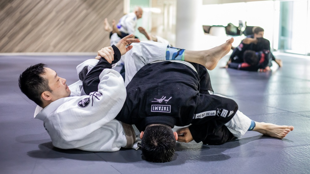 5 Attacks From The BJJ Full Guard