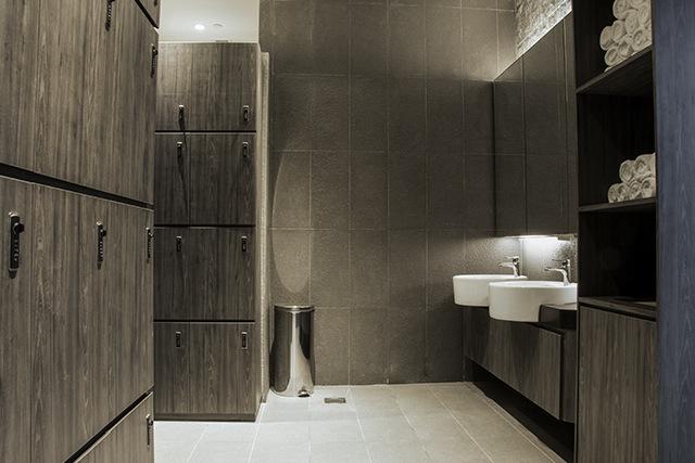 EVOLVE KINEX Lockers And Showers
