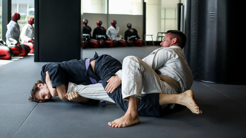 Want To Add The Kneebar To Your BJJ Game? Read This.